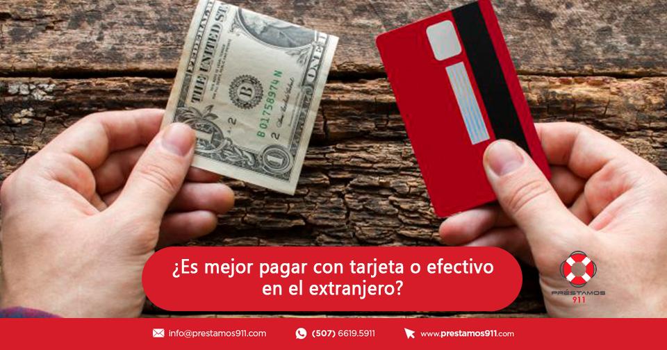 ¿Es mejor pagar con tarjeta o efectivo en el extranjero?